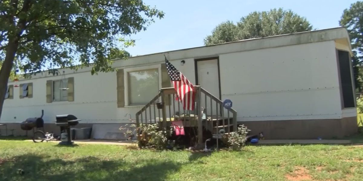 Resident to be evicted from mobile home park after refusal to take down American flag