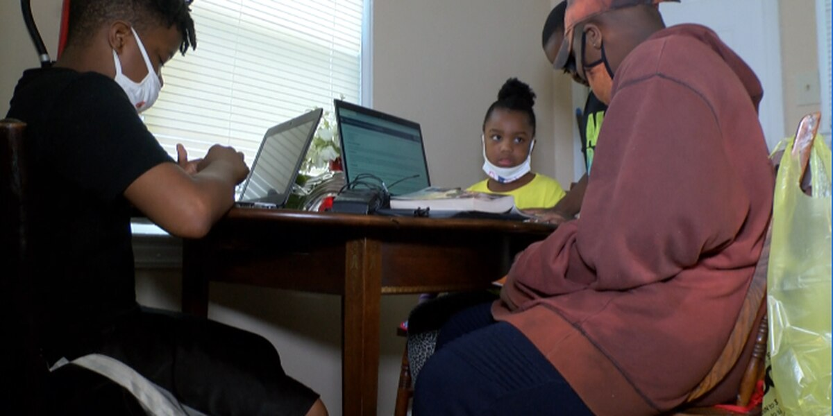 Charlotte family relying on hotspot from library to access internet for remote learning