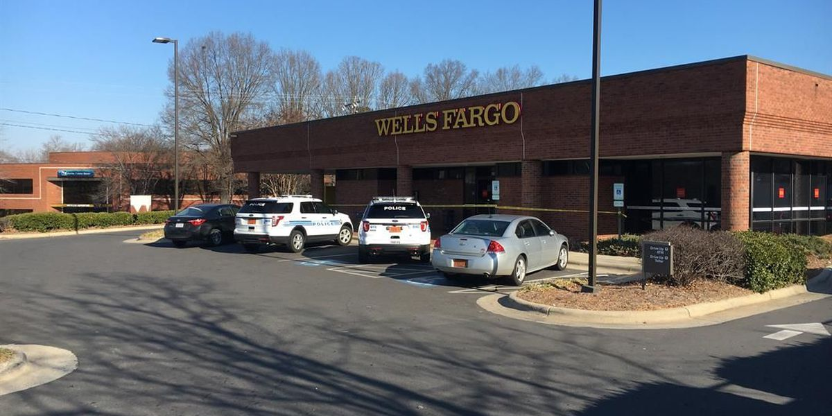 Police: Man arrested after robbing bank with BB gun in south Charlotte