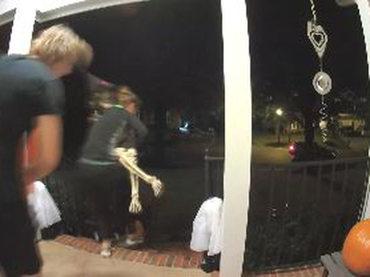 Pranksters caught on camera stealing Halloween decorations from south Charlotte home