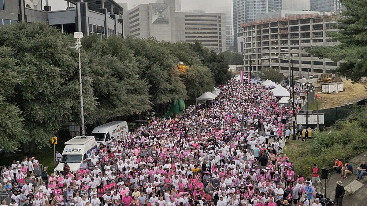Komen Charlotte: Thousands race for the cure in uptown