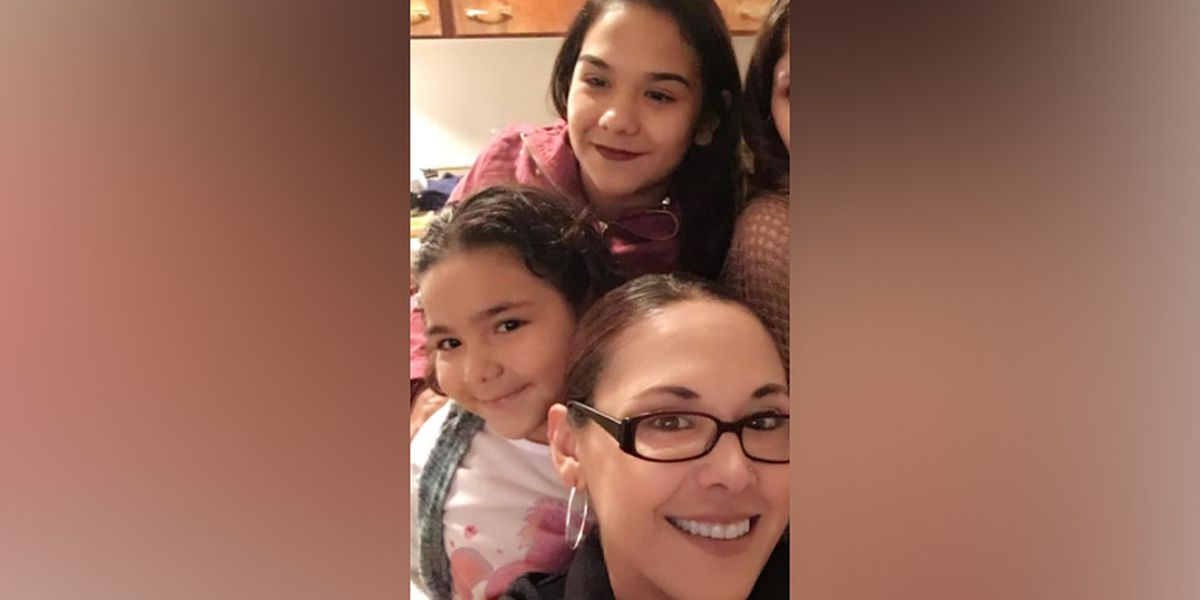 Chesterfield police search for mom, 3 kids