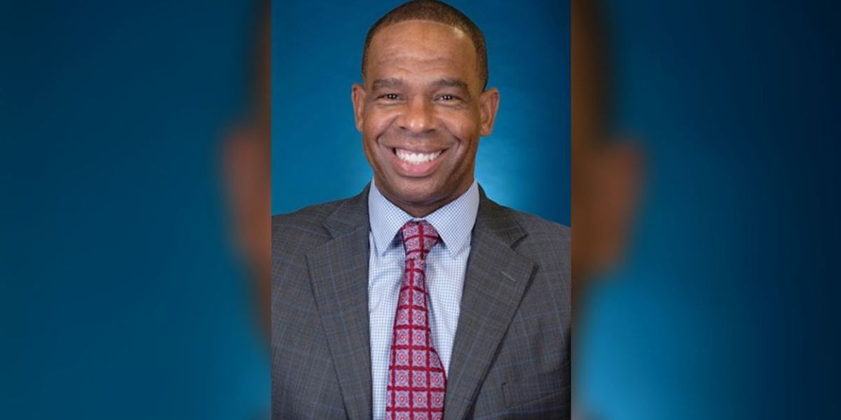 Keeping it in the family: UNC hires alum Hubert Davis as head basketball coach, succeeds Roy Williams