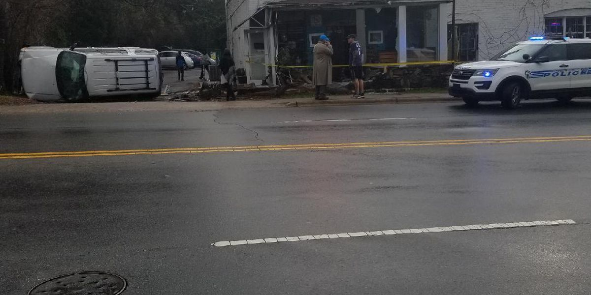 Car crashes into side of popular cafe in east Charlotte