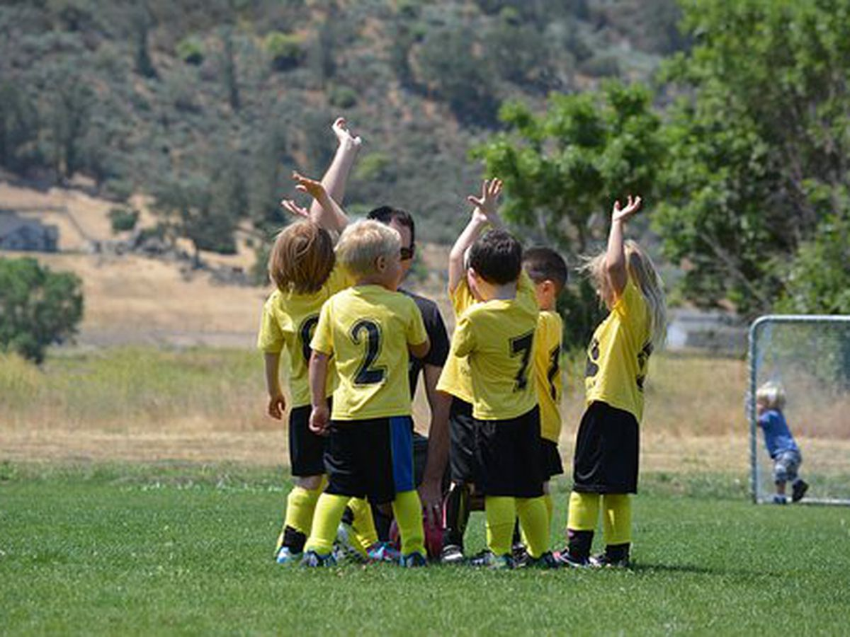 Help for parents deciding when their kids should focus on one sport