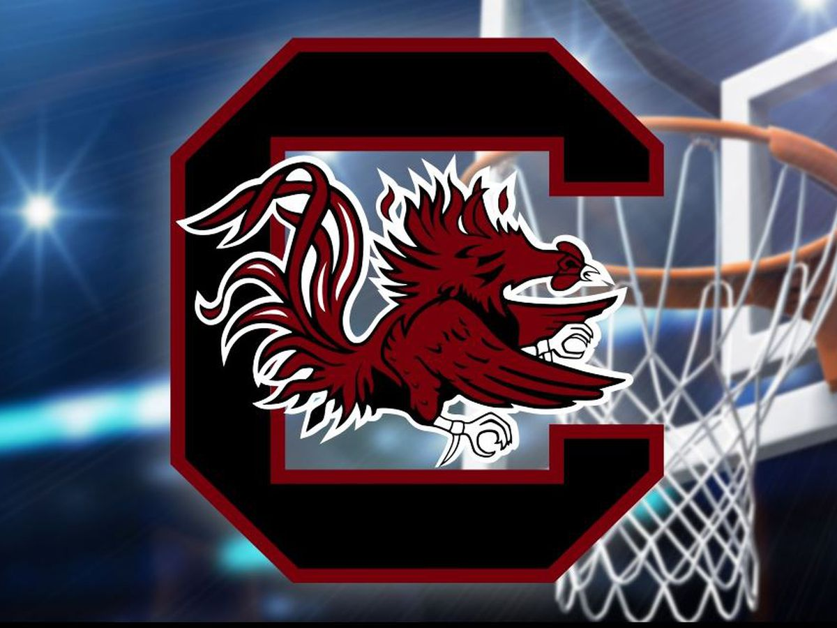South Carolina rallies from 12 down to beat Vanderbilt 74-71