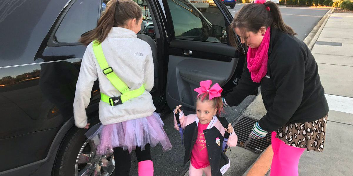 Elementary school in Cabarrus holds 'Pink Out' in memory of mayor who recently passed away