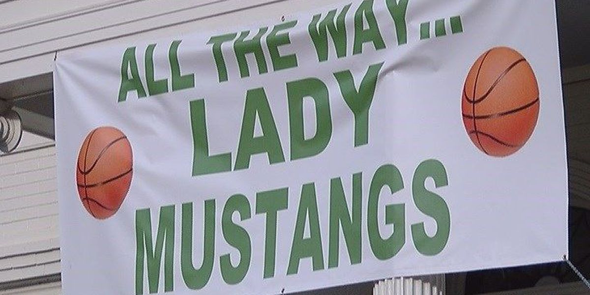 Myers Park girls basketball team fights to play in national tournament
