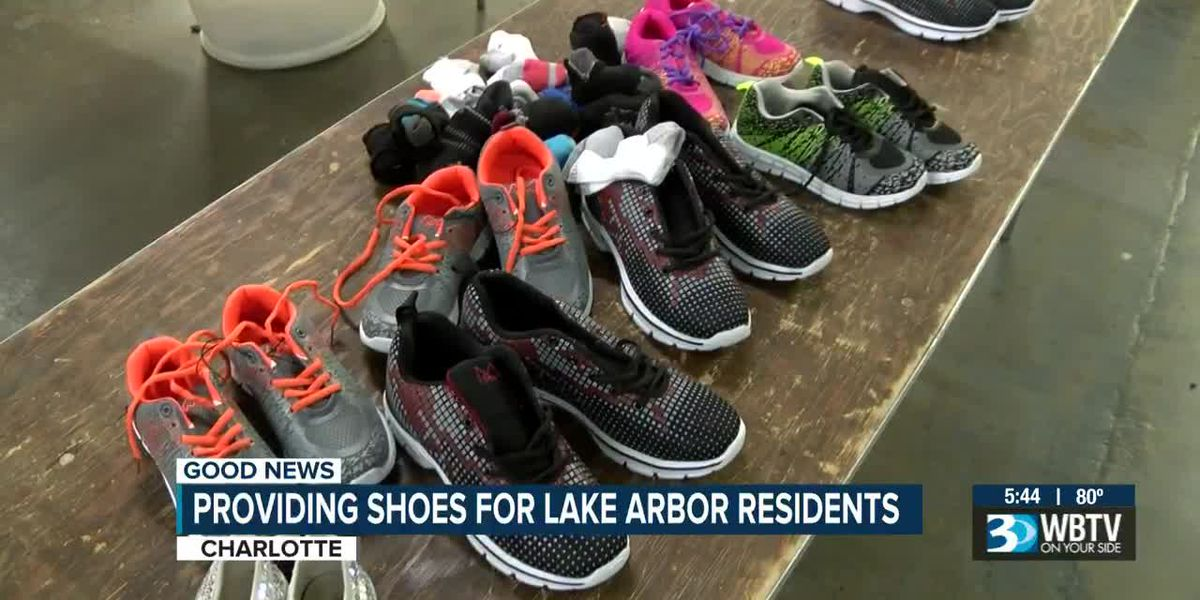 Samaritan's Feet giving out shoes to Lake Arbor neighbors