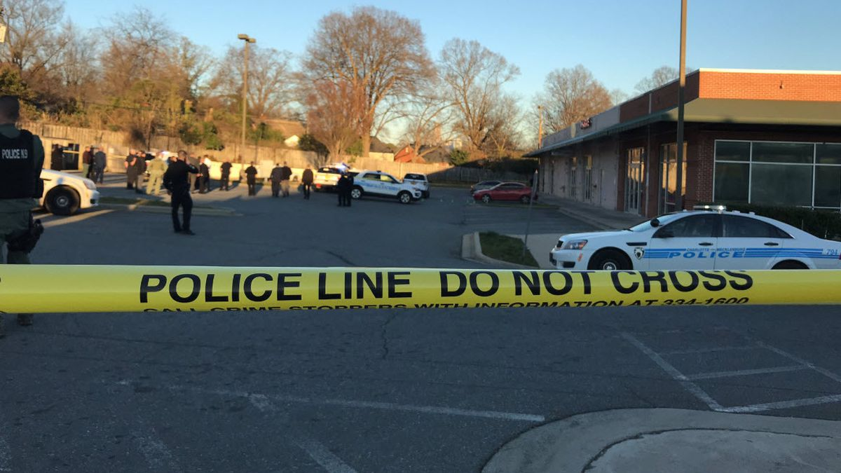 Sources: Robbery suspect shot, killed by police in west Charlotte shopping center