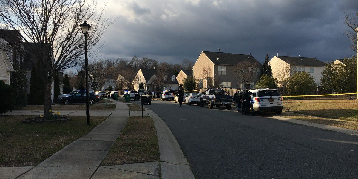 Man dies after being shot in front of home in north Charlotte