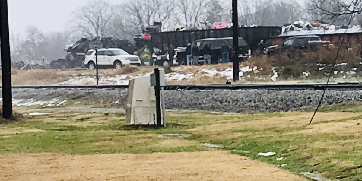 Contractor dies after being trapped between plates on railroad tracks