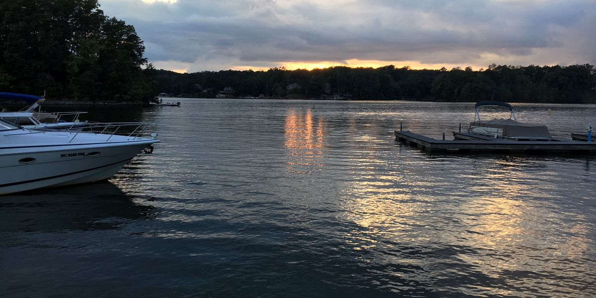 Jet skis collide on Lake Norman, injuries reported