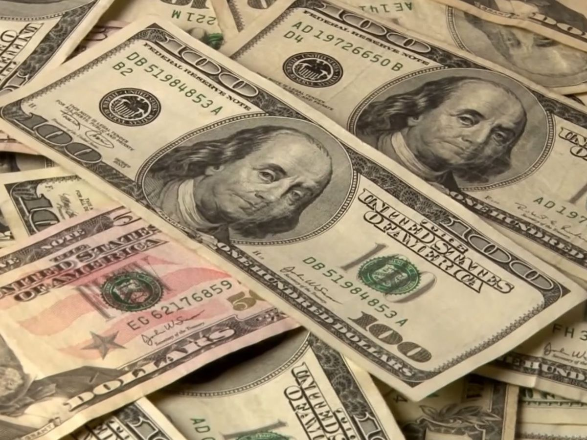 NC woman went on shopping sprees with $150K virus relief loan, prosecutors say