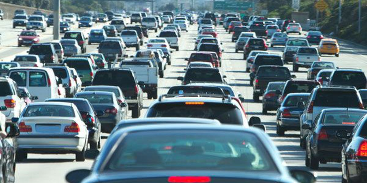 Serious crash shuts down part of I-77 SB in Davidson