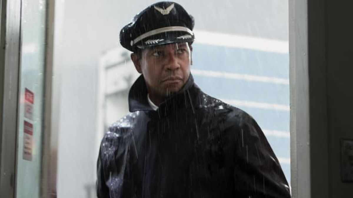Denzel Washington is coming to Charlotte and you can see him — for a price.