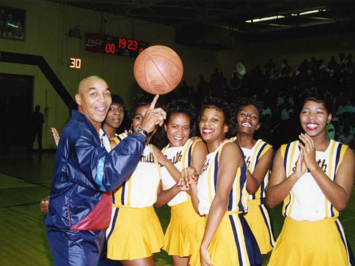 "Former Johnson C. Smith star and Harlem Globetrotter Fred ""Curly"" Neal passes away"