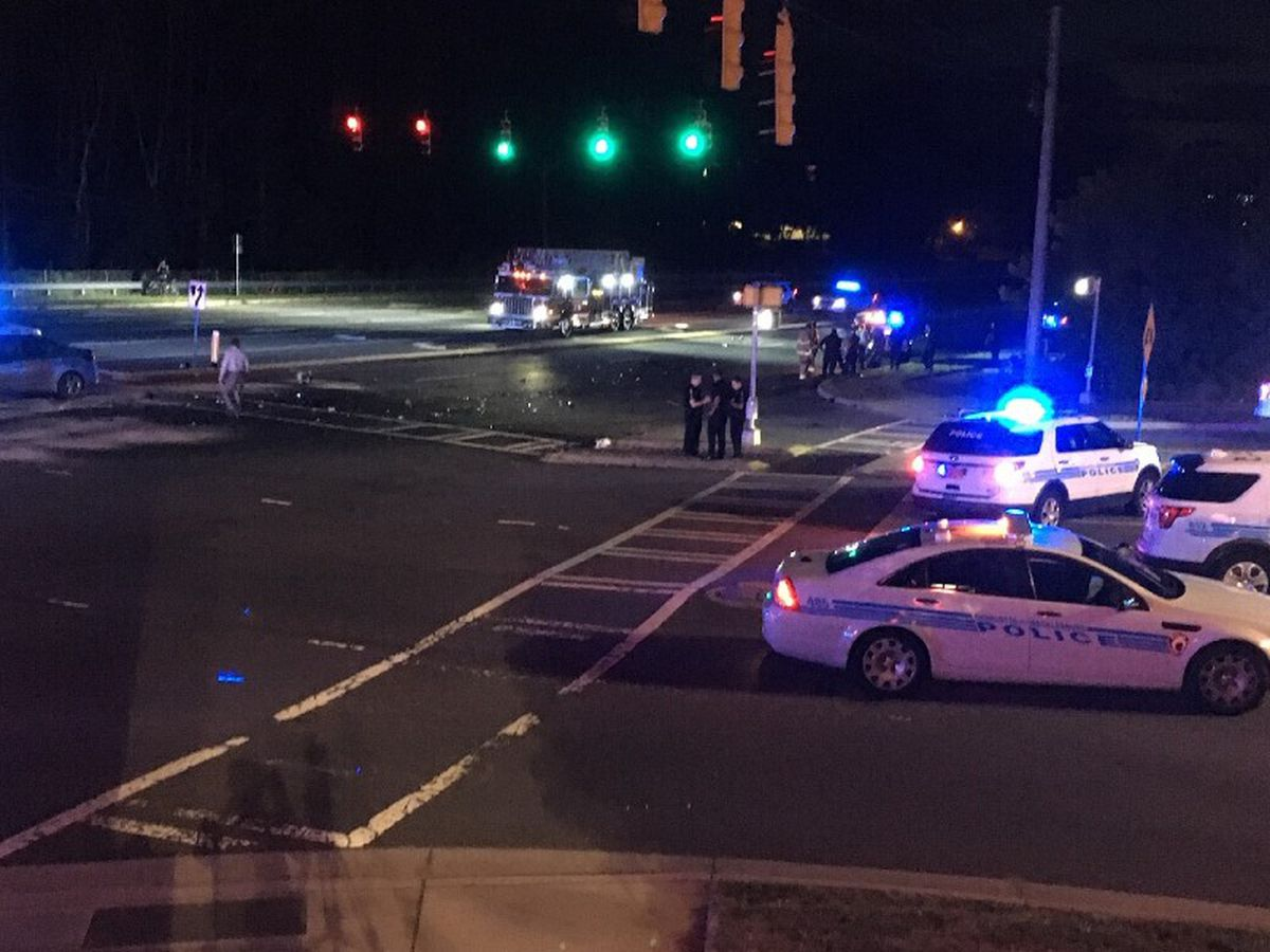 Charlotte officer dragged by vehicle in chase involving 3 crashes, stolen police car