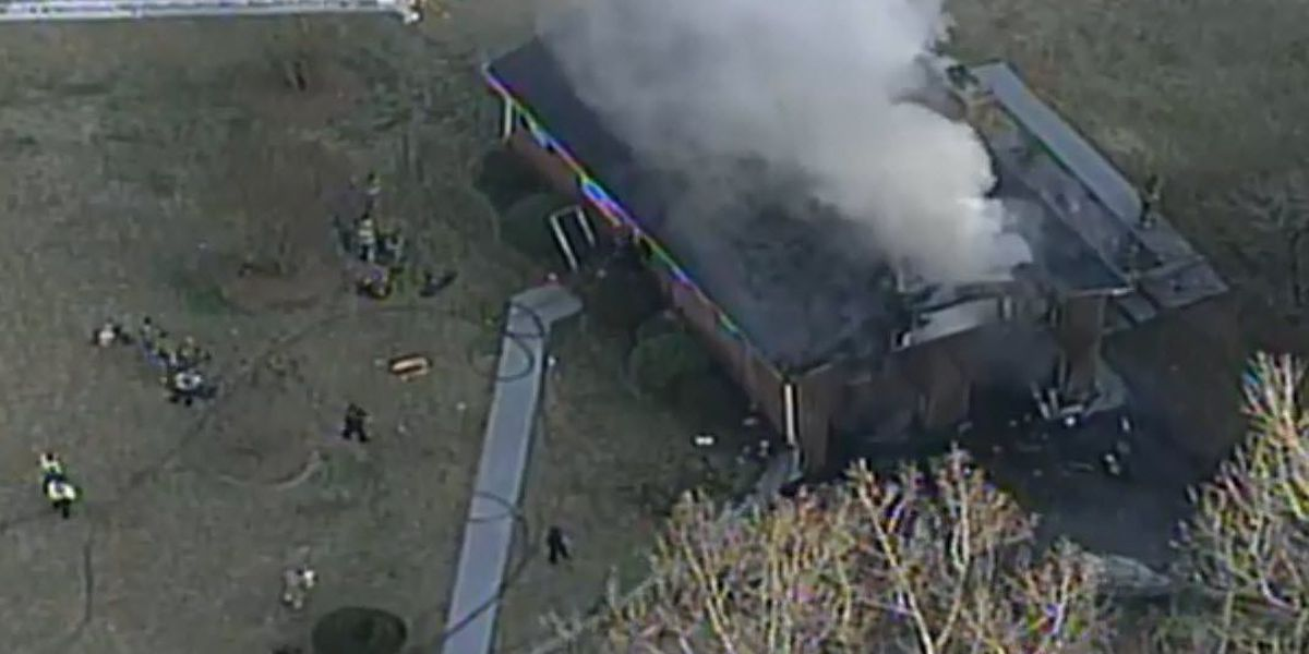 Firefighters report heavy flames from north Charlotte house fire