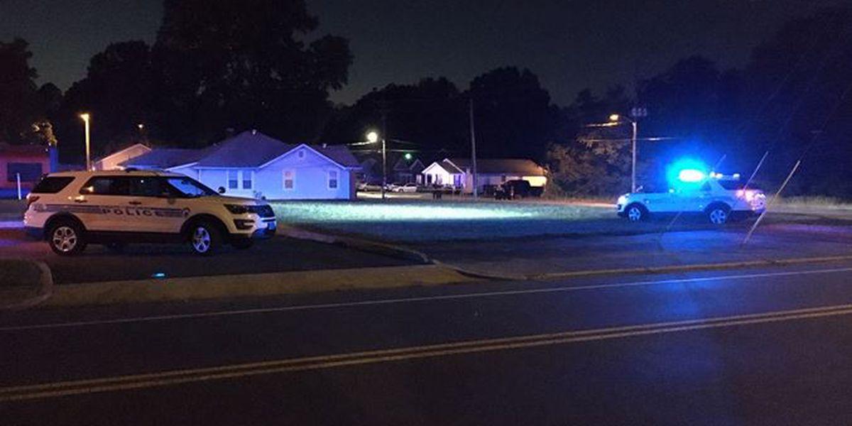 Homicide detectives investigate deadly shooting in northwest Charlotte