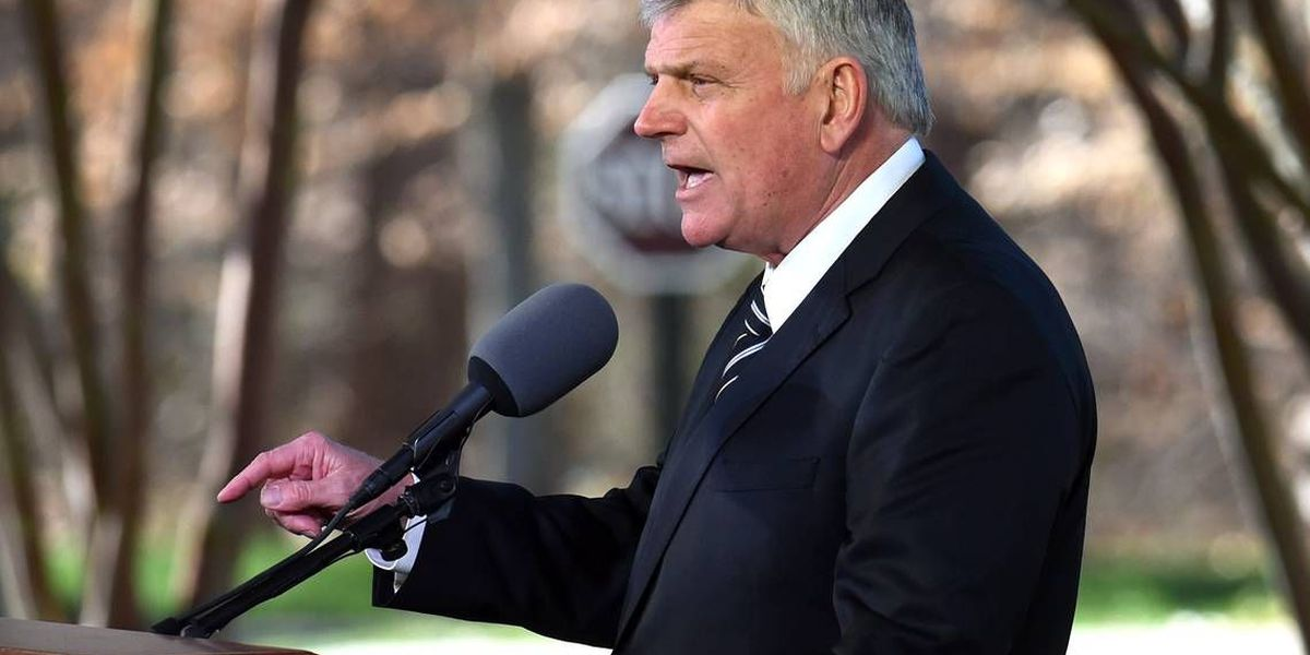 Franklin Graham talks about his last days with Billy Graham and what he misses most