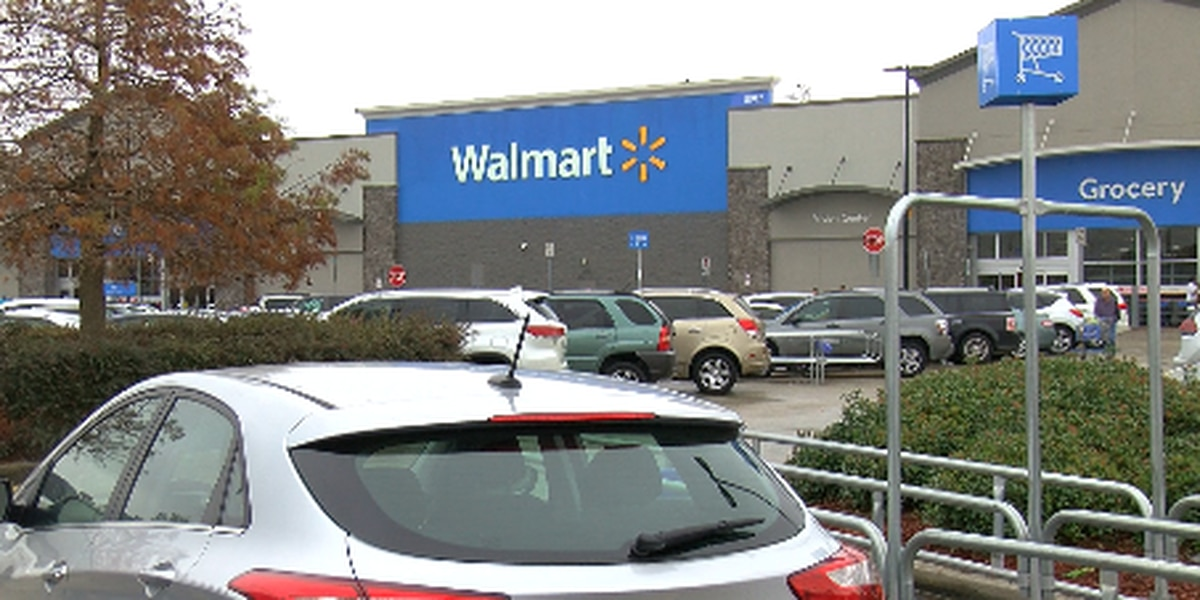'There's still good people out here:' man's wallet returned with $2,500 after he loses it in Walmart lot