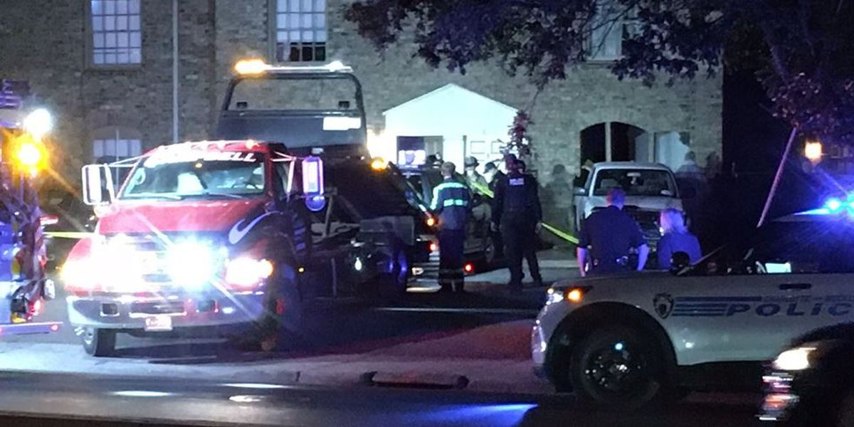 Three hurt after car crashes into Charlotte apartment building