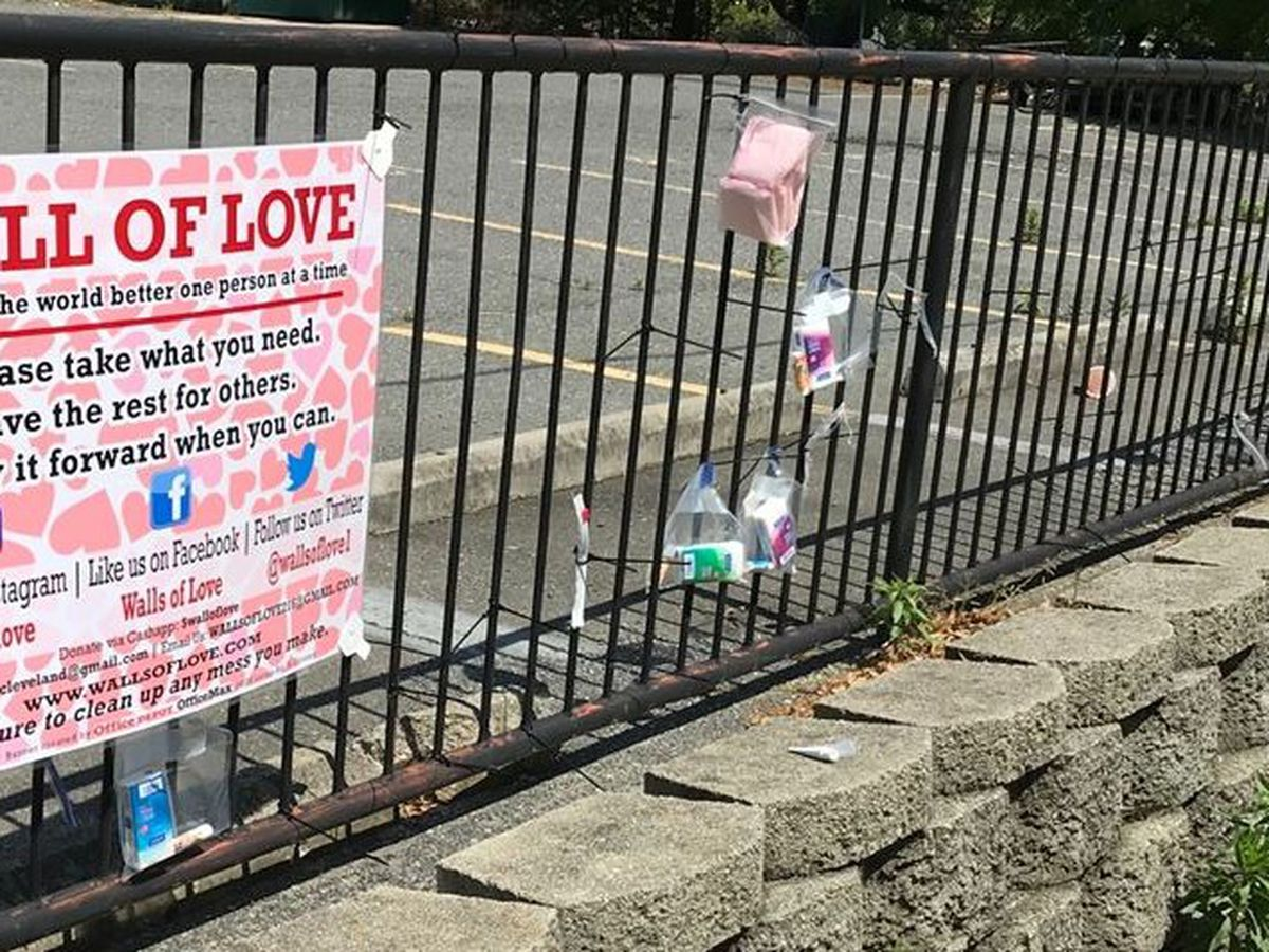 'Walls of Love' gives community opportunity to 'pay it forward' to homeless, those in need