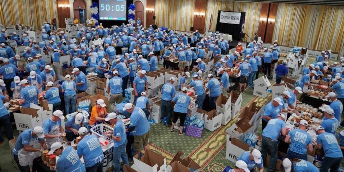 Food Lion workers set world record for bagging lunches