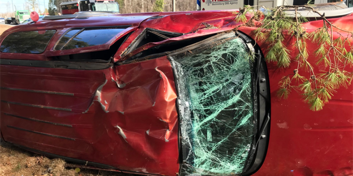 One hospitalized following rollover crash in Huntersville