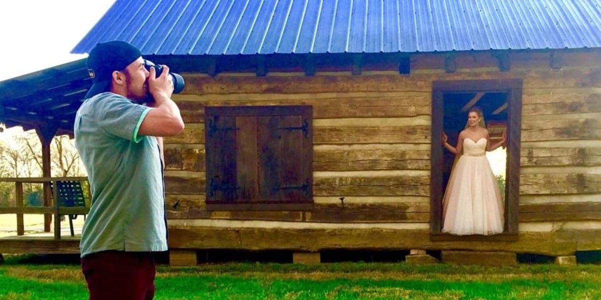 High school seniors offered free prom and graduation photos at historic cotton plantation