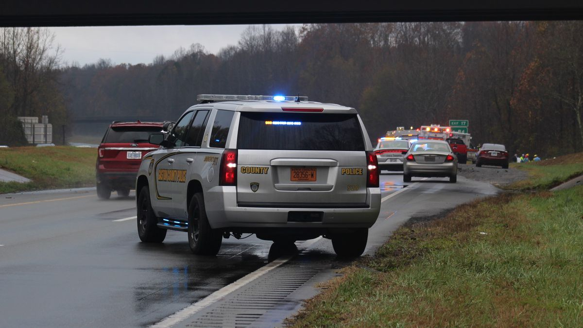 Two dead after car 'hydroplanes' off highway, crashes into tree in Gaston County, troopers say