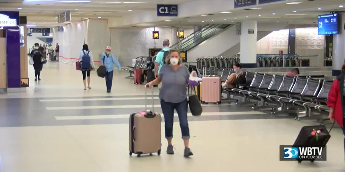 How the CDC, airlines are handling holiday travel during the coronavirus pandemic