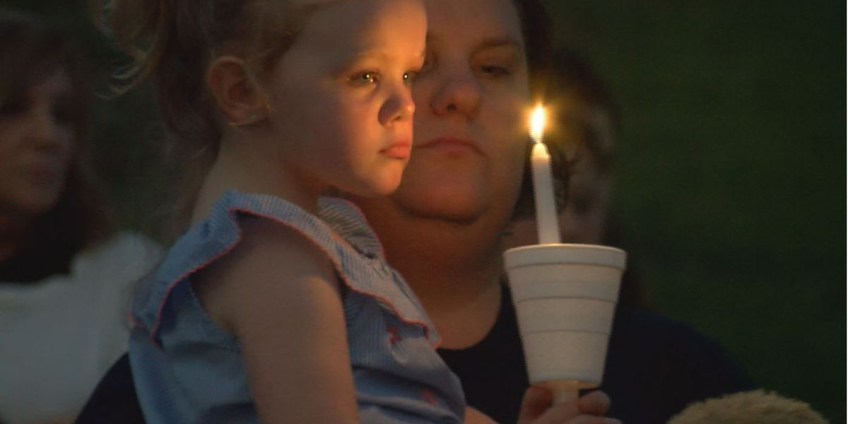 Community members honor the life of Maddox Ritch with Friday night vigil