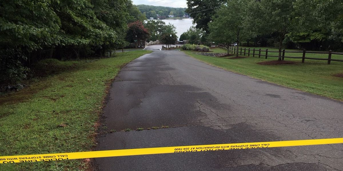 Person dies in hospital after near drowning on Lake Wylie