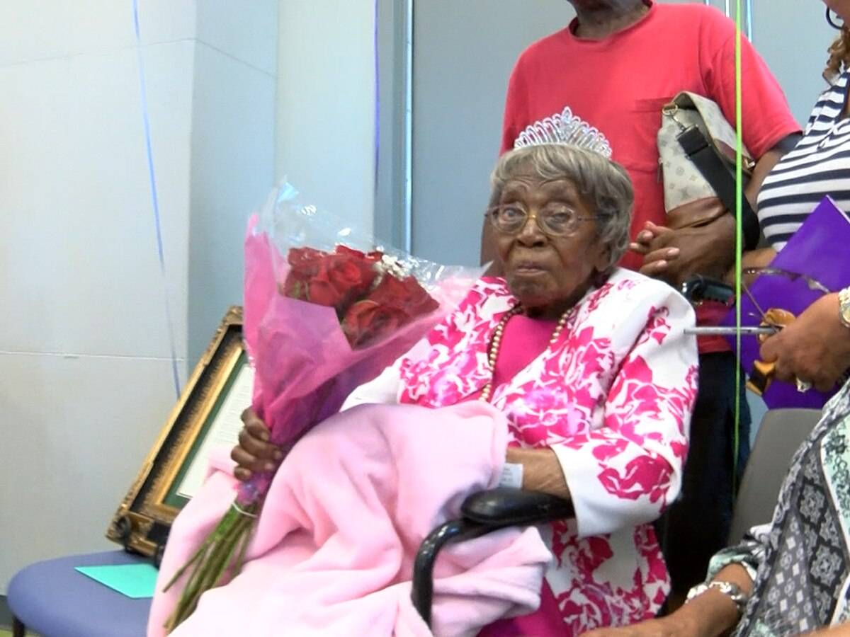 'A living legacy': Charlotte woman celebrates 115th birthday