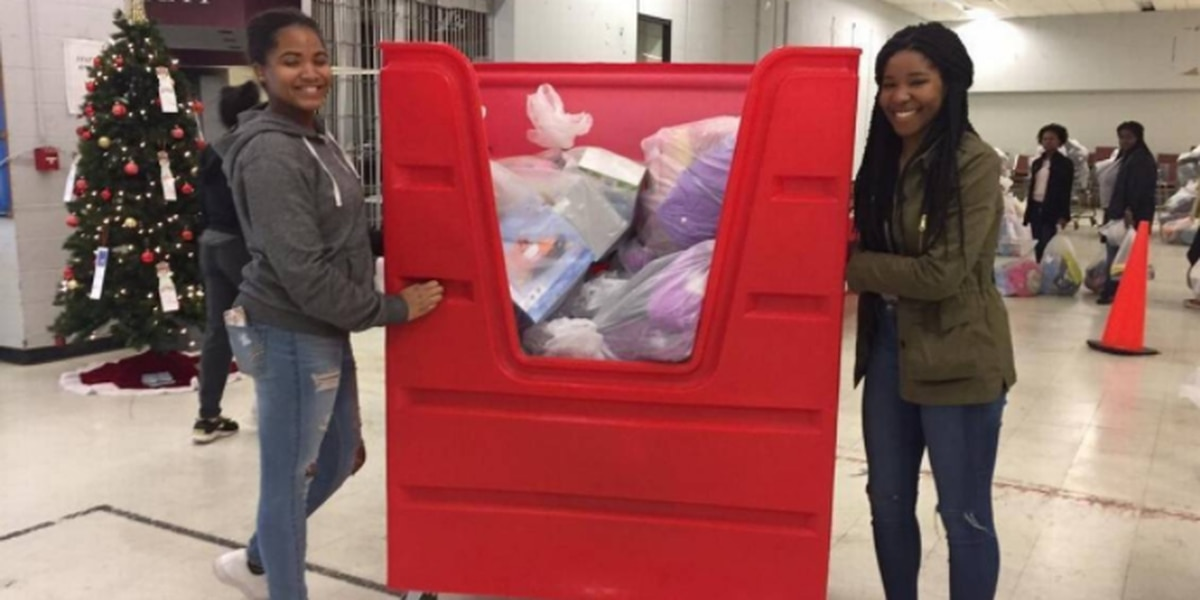 For these Charlotte high school volunteers, the needs of kids at Christmas hit home