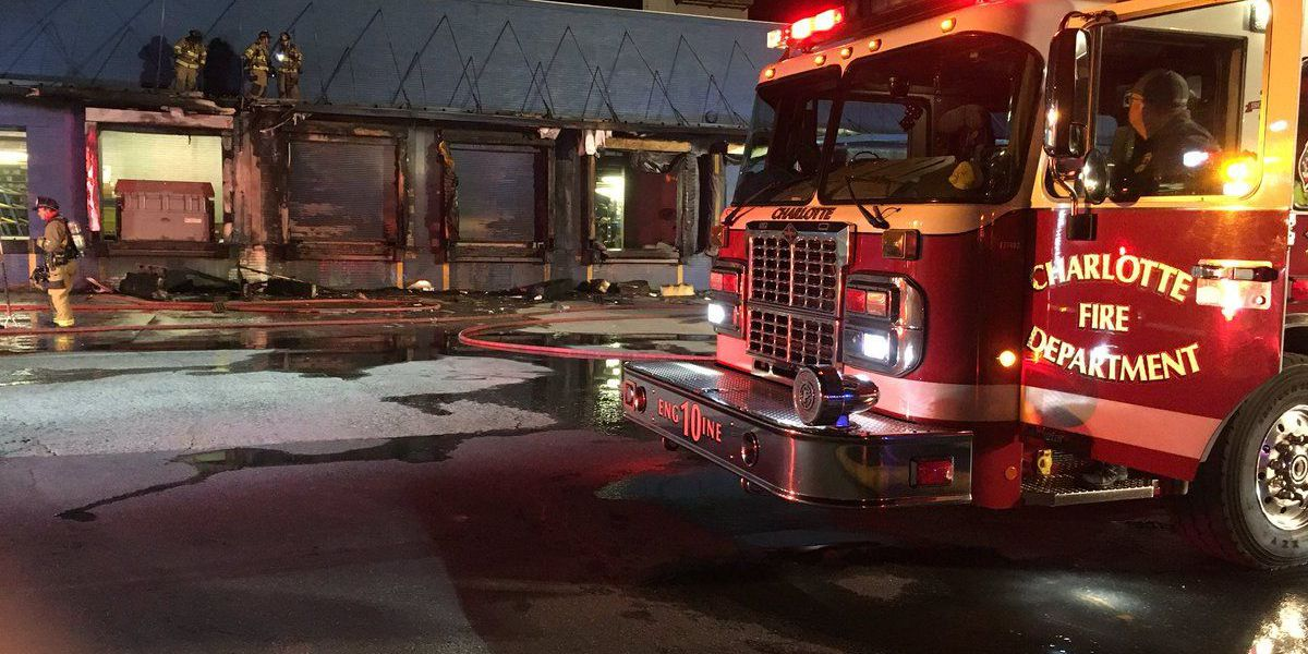 Fire breaks out at auto parts store in west Charlotte