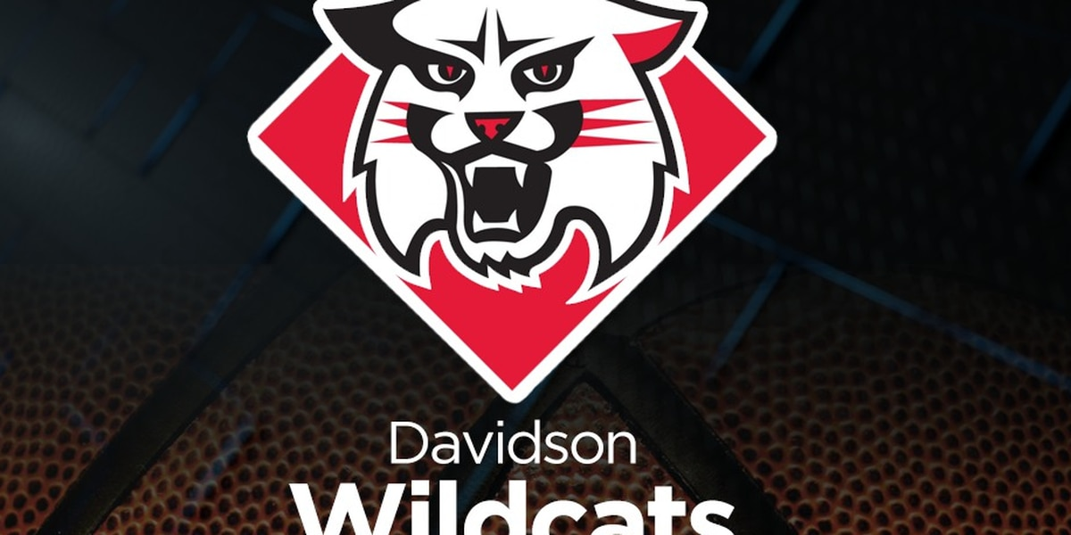 Grady with 17, Davidson holds on to beat George Mason 61-56