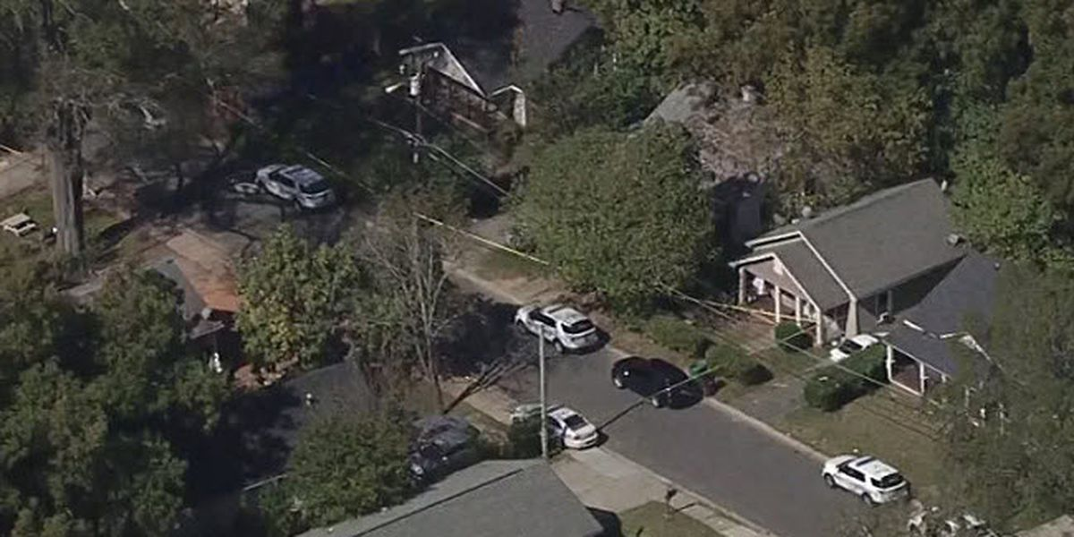 Victim rushed to hospital after shooting in north Charlotte