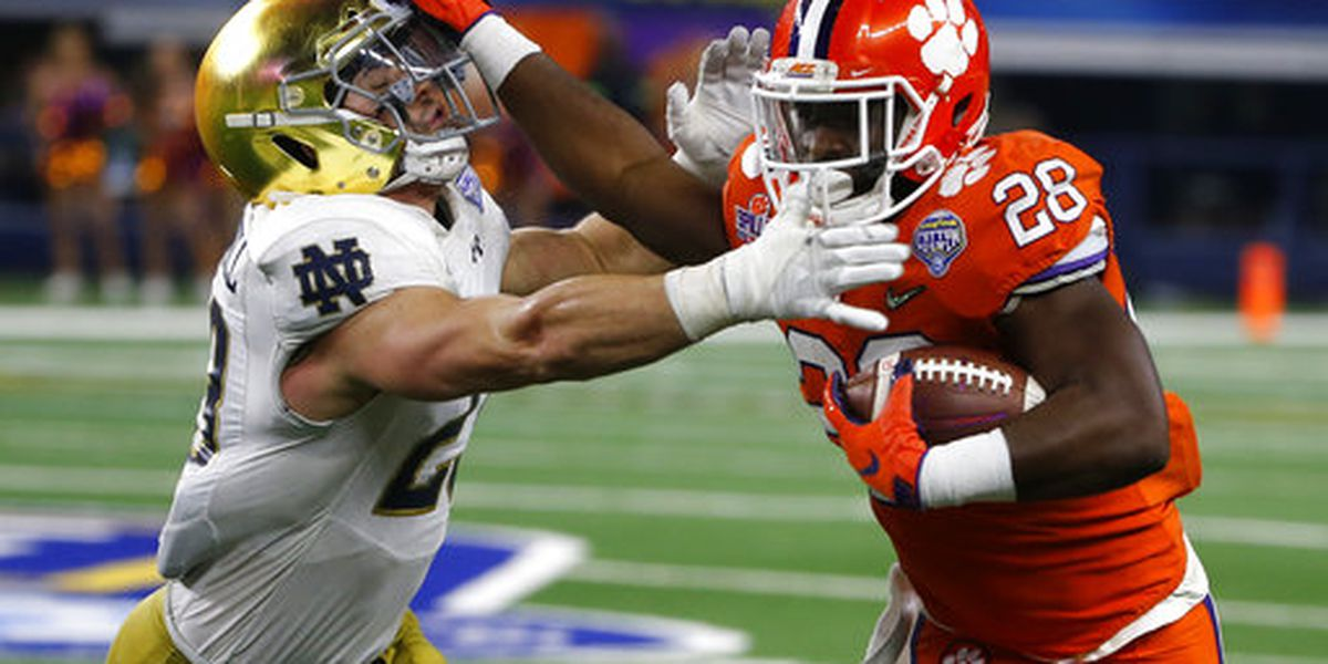 Reserve RB Feaster leaves Clemson for rival South Carolina