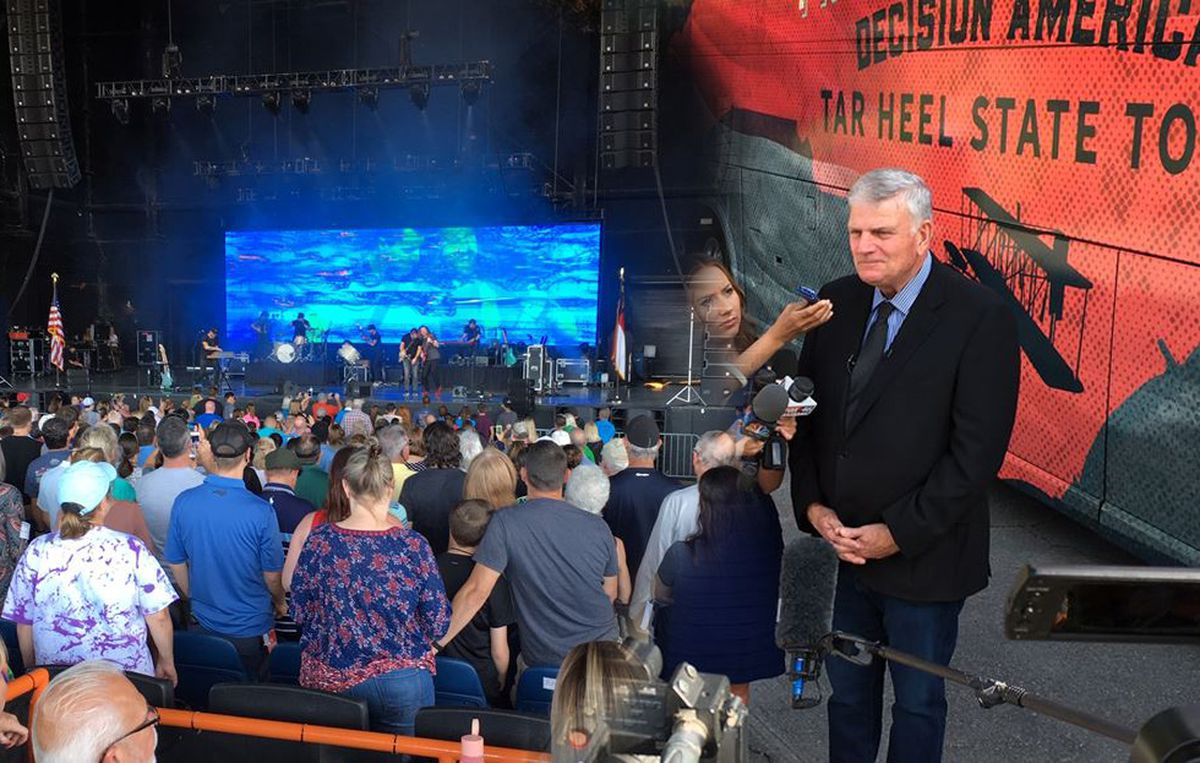 Franklin Graham's Decision America Tour brings prayer to Charlotte