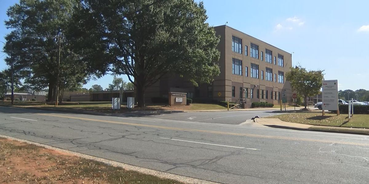 CMPD: Teens robbed at gunpoint near separate Charlotte high schools, another robbed at bus stop