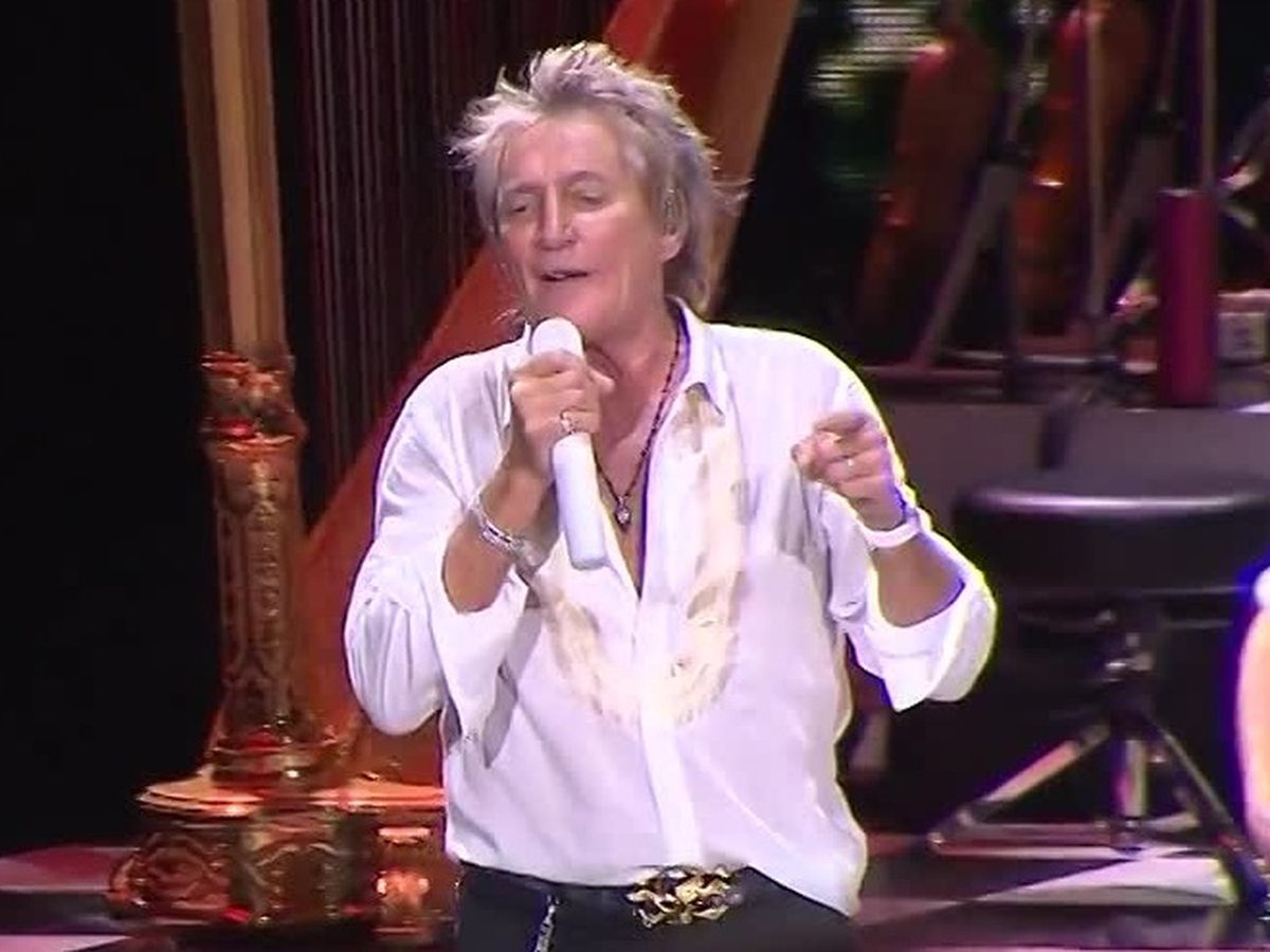 Rod Stewart secretly battled cancer for three years