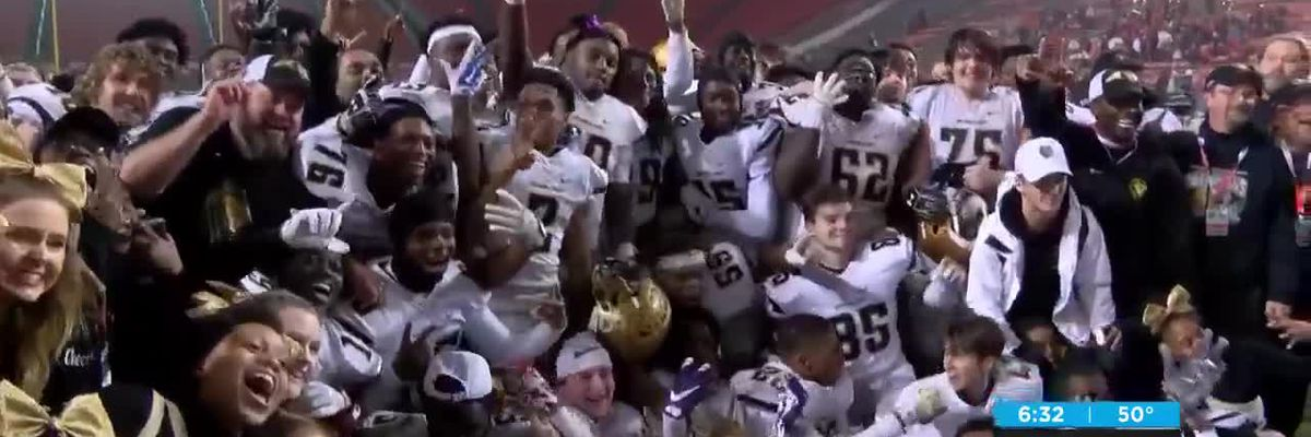 Shelby knocks out North Davidson 42-21 to win program's tenth NCHSAA title