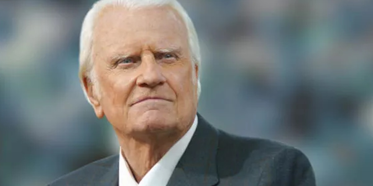 Tens of thousands sign petition for Billy Graham national holiday. Would it be legal?