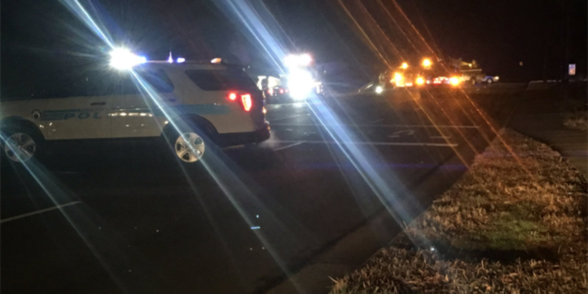 Suspected drunk driver crashes into utility pole in Ballantyne, knocks down power lines