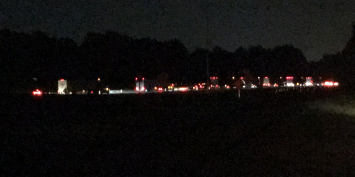 Wreck shuts down SB lane, causes heavy backups on I-77