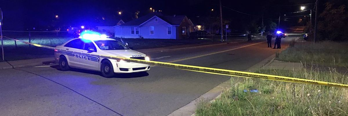 Homicide detectives investigate deadly shooting in northwest Charlotte
