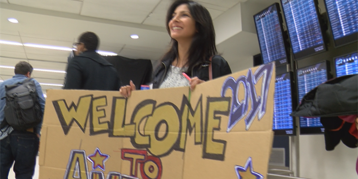 CLT airport home to plenty of reunions for Thanksgiving travelers
